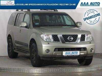 używany Nissan Pathfinder 2.5dm 171KM 2007r. 194 033km