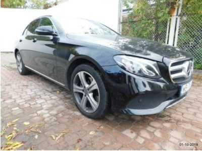 używany Mercedes E220 E 220 sedan (limuzyna)sedan (limuzyna)