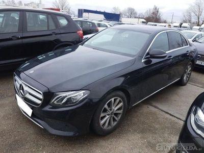 używany Mercedes E220 sedan (limuzyna)