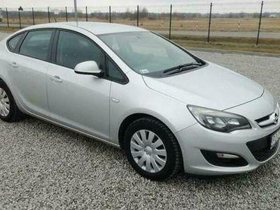 używany Opel Astra 1.4dm 140KM 2015r. 111 858km