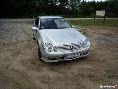 używany Mercedes C220 CDI coupe W203 polift