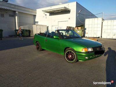 używany Opel Astra Cabriolet 1.6 8V 75KM Bertone Alufelgi Ważne Opłaty