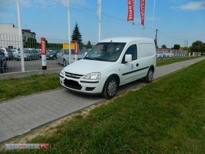 używany Opel Combo 1.3dm 75KM 2010r. 72 000km