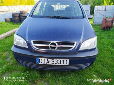 używany Opel Zafira uszkodzona