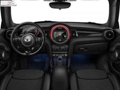 używany Mini Cooper Cooper 1.5dm3 136KM 2017r. 8 000km Hatch 3dr| Dostęp Komfortowy | LED |