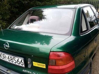 używany Opel Astra Classic zadbany