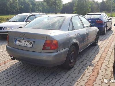 używany Audi A4 1.8 benzyna 125 KM Klimatyzacja Climatronic