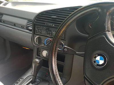 używany BMW 318 Cabriolet i
