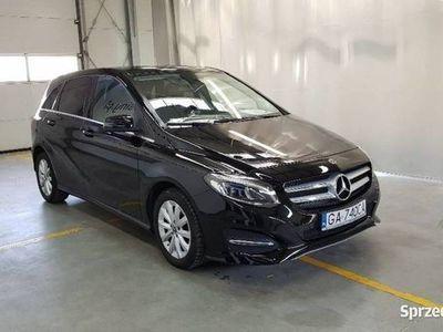 używany Mercedes B180 1.5dm 109KM 2017r. 97 891km