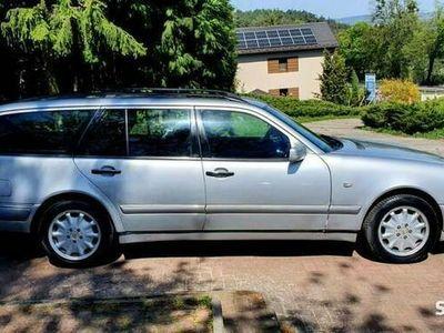 używany Mercedes E200 2.8 V6 4X4 Gaz SekwencjaWersja Elegance II Wlasciciel Fajny Klasyk !! W210 (1995-2002)