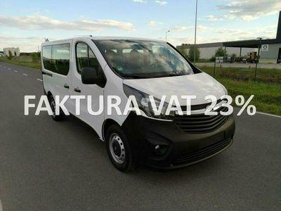 używany Opel Vivaro 1.6 BiTurbo 125 KM, 9 osób, opłacony, FV 23%, gwarancja 12 miesięcy