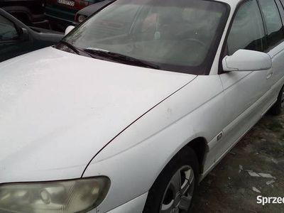 używany Opel Omega 2.2 cała w cenie części