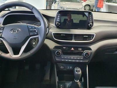 używany Hyundai Tucson III rabat: 10% (11 000 zł) 1.6 GDi 132KM Zamów on-line!