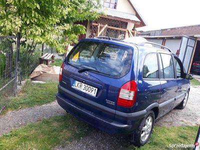 używany Opel Zafira A 2004