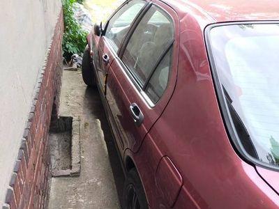 używany Honda Civic VI gen. 99r. Uszkodzona.