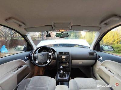 używany Ford Mondeo MK3 1.8 (125KM) po kolizji