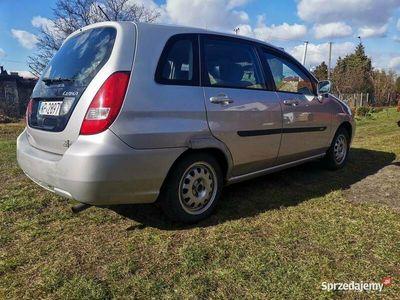 używany Suzuki Liana 1.6 benzyna 2001 rok, zamiana na skuter 125cm