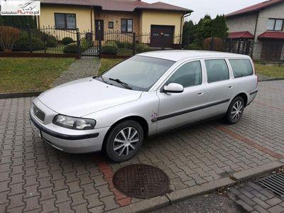 używany Volvo V70 2.5dm 140KM 2000r. 435 000km