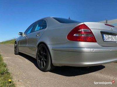 używany Mercedes E500 W211 FULL OPCJA KEY LESS GO