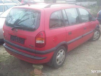 używany Opel Zafira 1.6 16v z przeznaczeniem na części