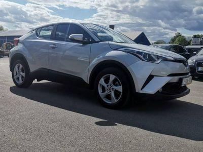 używany Toyota C-HR 1.2dm 116KM 2019r. 14 800km