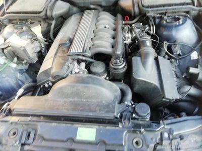 używany BMW M2 528 E39 M52 528 E39
