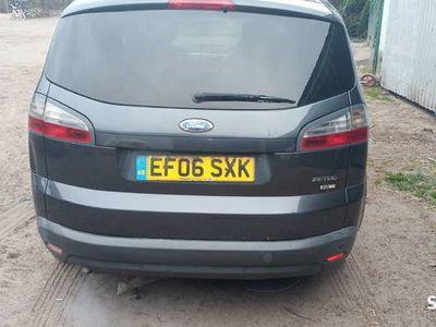 używany Ford S-MAX