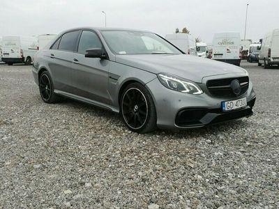 używany Mercedes E63 AMG 5.5dm 585KM 2013r. 216 115km