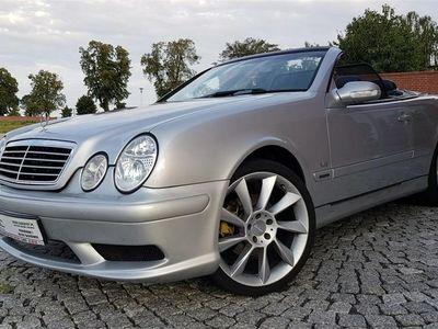używany Mercedes CLK320 3.2dm 218KM 2001r. 286 050km