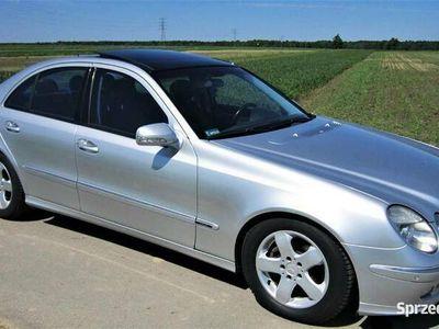 używany Mercedes E320 Avantgarde, szklany dach