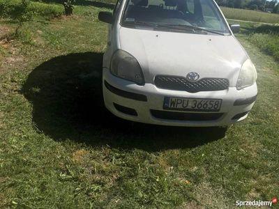 używany Toyota Yaris 2005
