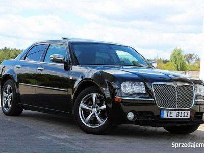 używany Chrysler 300C 3dm 218KM 2009r. 153 468km