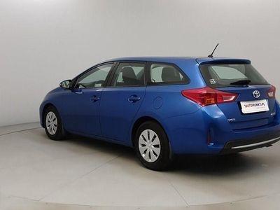używany Toyota Auris 1.4dm 90KM 2015r. 122 185km