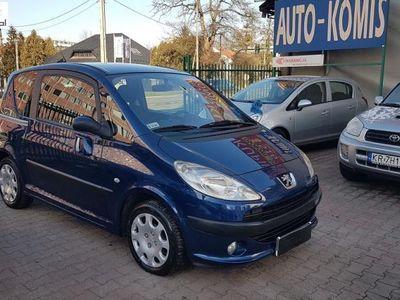 używany Peugeot 1007 1.4dm3 2005r. 71 000km