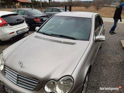 używany Mercedes 180 c klasaw203 stan idealny LPG