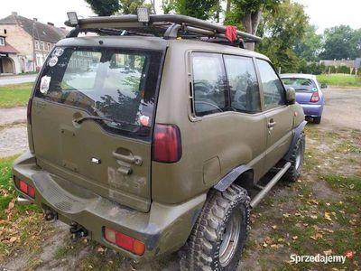 używany Nissan Terrano Ford Maverick