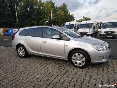 używany Opel Astra 2011rok