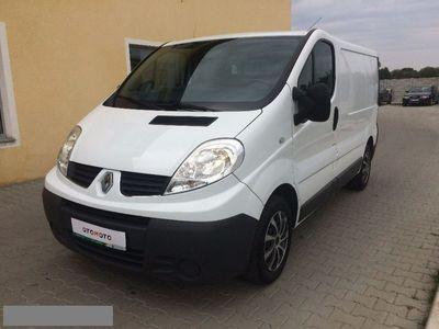 używany Renault Trafic 2,0 dCi__Paka__2012r__EURO 5 2.0 2,0 dCi__Paka__2012r__EURO 5