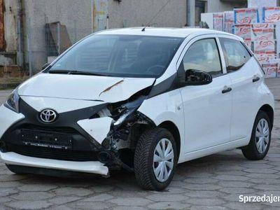 używany Toyota Aygo 2017r 998cm 69KM 60 tyś km, stłuczka