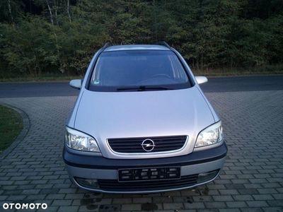 używany Opel Zafira 1.8 16 v 125 KM 7 osób autentyczny przebieg