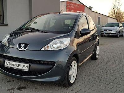 używany Peugeot 107 1dm 68KM 2007r. 163 882km
