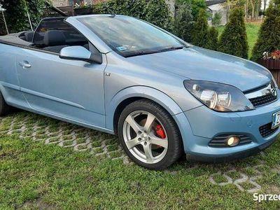 używany Opel Astra Cabriolet Twin Top 1.6