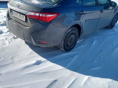 używany Toyota Corolla stan idealny gaz LPG nie cały rok jak założon