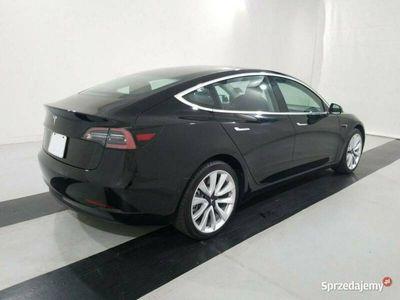 używany Tesla Model 3 0dm 261KM 2019r. 23 417km