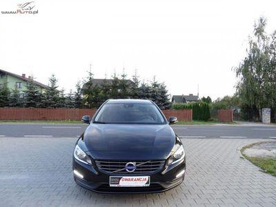 brugt Volvo V60 2.0dm3 136KM 2015r. 199 000km 2,0(136KM),D3,Navi,Alu,Lift,LEDY,City Safety,Isofix*GWARANCJA*