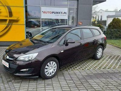 używany Opel Astra 1.6dm 110KM 2015r. 143 669km