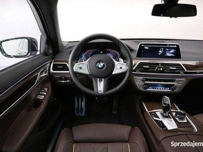 używany BMW 750 3dm 400KM 2019r. 9 150km