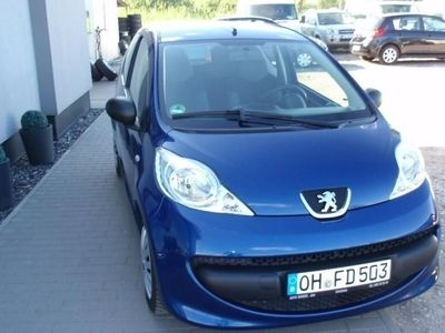 używany Peugeot 107 1dm 68KM 2008r. 117 895km