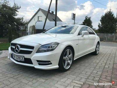 używany Mercedes CLS350 biały