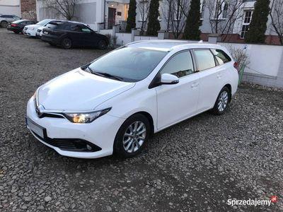 używany Toyota Auris 1.4 D4D, Wersja Premium, 1Właściciel, Krajowy